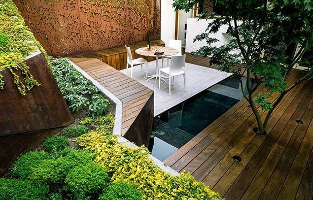 Desain Taman Rumah Minimalis Dengan Kolam Ikan