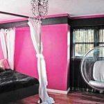 Kombinasi Warna Cat Kamar Tidur Minimalis Pink Hitam