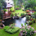 Taman Belakang Rumah Yang Indah