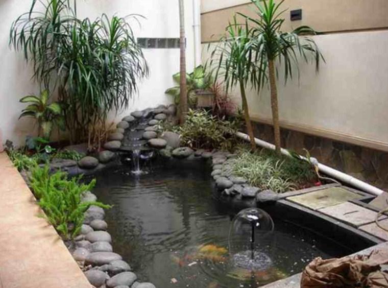 Taman Depan Rumah Minimalis Dengan Kolam Ikan