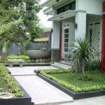Taman Minimalis Depan Teras Rumah