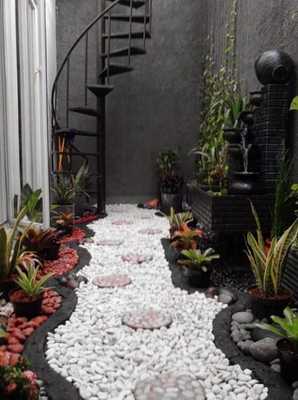 gambar model taman dalam rumah minimalis
