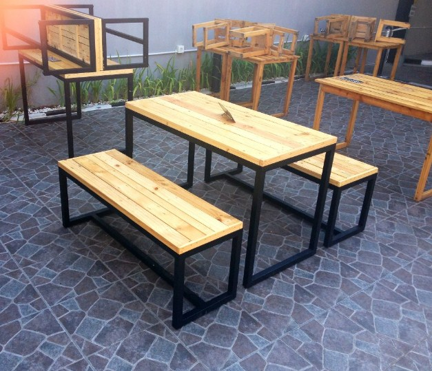 1 Set Meja Kursi Cafe