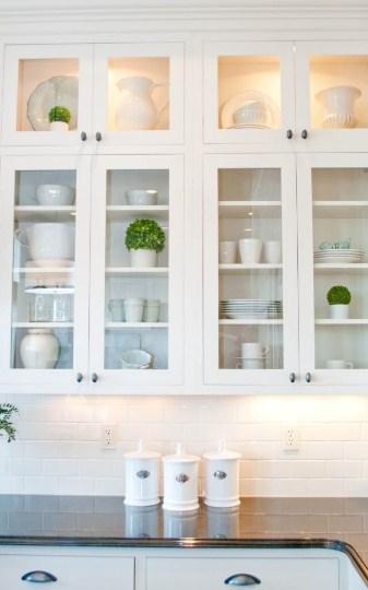 Contoh Gambar Lemari Kaca Dapur