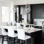Desain Kabinet Dapur Hitam Putih