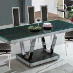 Furniture Meja Makan Kaca