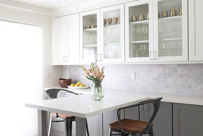 Gambar Model Lemari Kaca Dapur