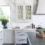 Lemari Kaca Untuk Dapur