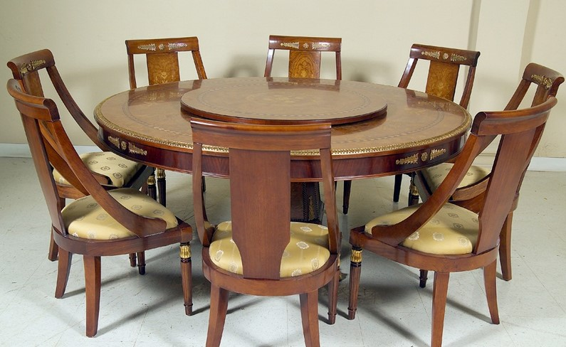 Meja Makan Bulat Besar