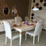 Meja Makan Jati Putih