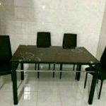 Meja Makan Kaca Lengkung