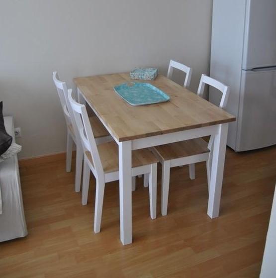 Meja Makan Kayu Antik