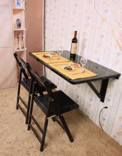 Meja Makan Kayu Di Dinding