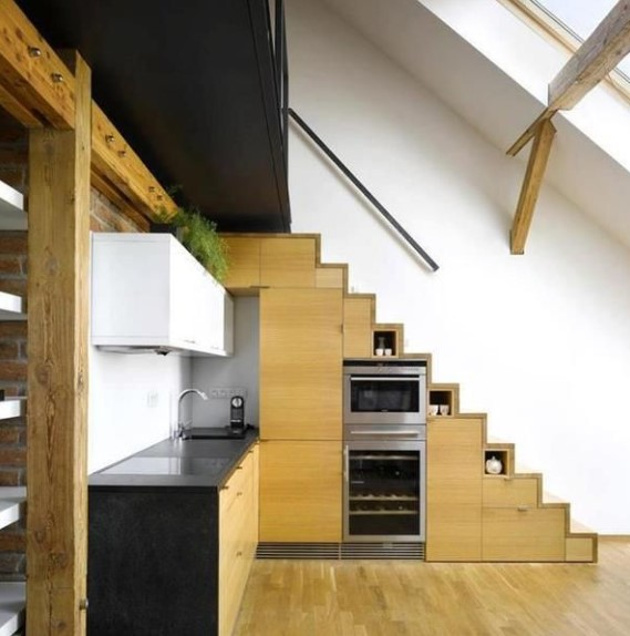 Dapur Minimalis Ada Tangga
