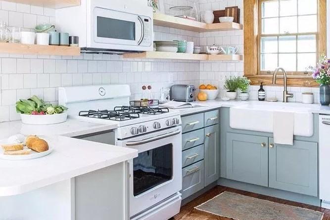 Dapur Minimalis Ukuran 2x2 Yang Terkesan Hangat