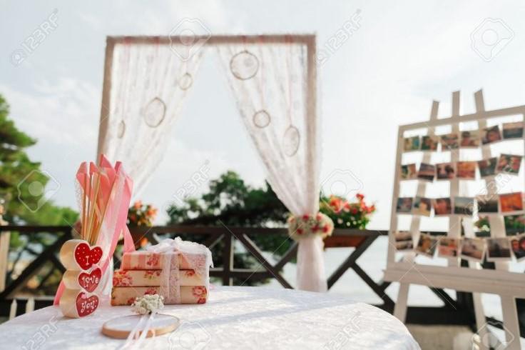 40 Dekorasi Kamar Pengantin Terbaru 2020 Paling Romantis
