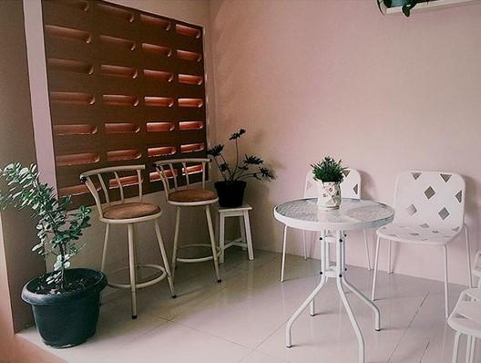Desain Cafe Depan Teras Rumah
