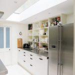 Desain Dapur Minimalis Ukuran 2x3 Dengan Skylight