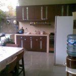 Desain Dapur Setengah Terbuka