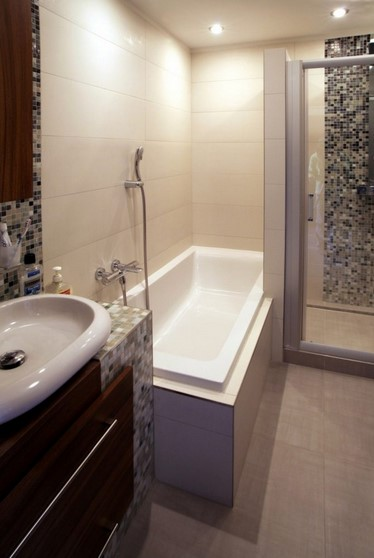 Desain Kamar Mandi Minimalis Dengan Bathtub