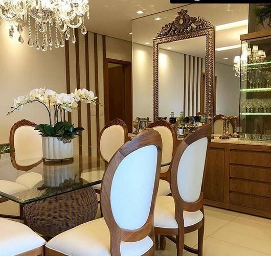 Desain Ruang Makan Mewah Modern