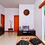 Desain Ruang Tamu Sederhana Tanpa Sofa