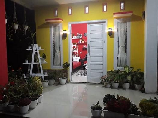 Foto Teras Rumah Kecil Sederhana