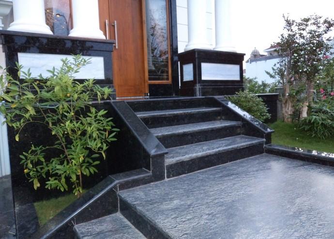 Granit Teras Rumah Mewah