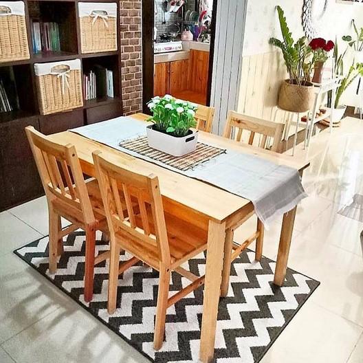 Ruang Makan Sangat Sederhana