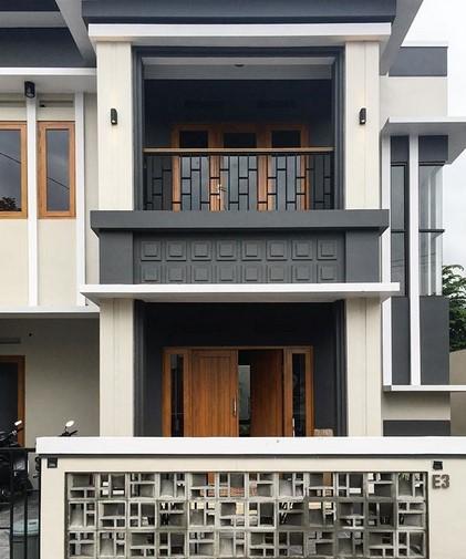 Teras Rumah 2 Lantai Cantik