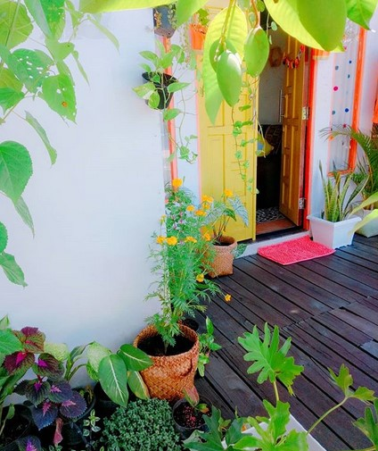 Teras Rumah Klasik Sederhana