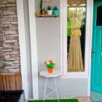 Teras Rumah Sederhana Di Desa