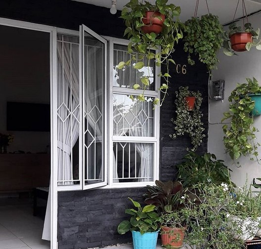 Teras Rumah Sederhana Tapi Kelihatan Mewah