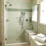 Desain Kamar Mandi Hotel dengan Shower