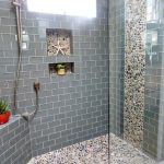 Kamar Mandi Dengan Keramik Batu Alam