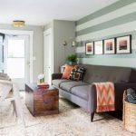 Cat Ruang Tamu Kombinasi Putih Dengan Berbagai Warna Dan Pola