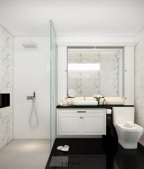 Desain Kamar Mandi Kecil dengan Cermin Besar