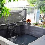 Desain Kolam Ikan Depan Rumah Kontemporer