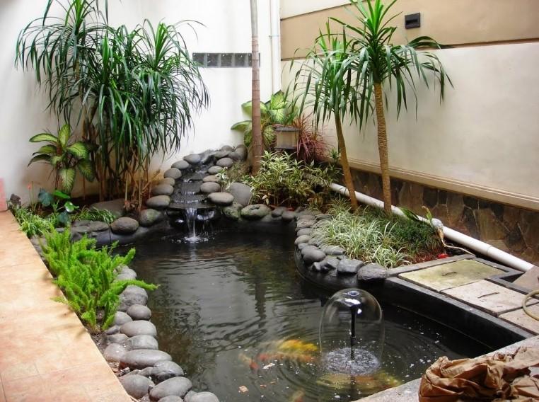 Desain Kolam Ikan Depan Rumah Minimalis