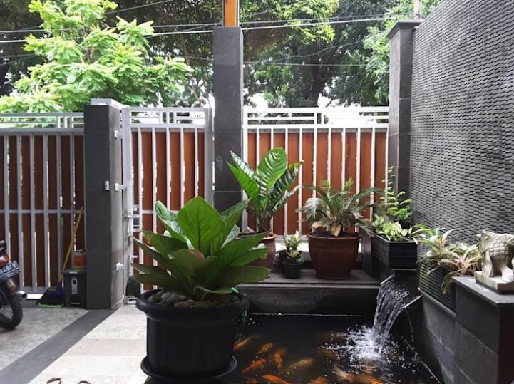 Desain Kolam Ikan Hias Depan Rumah