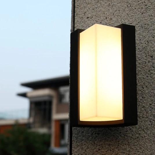 Warna Lampu Taman Minimalis