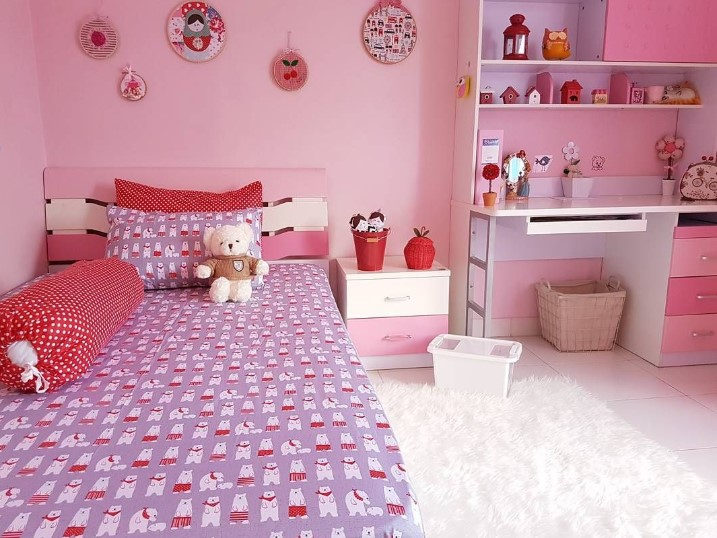 Desain Interior Kamar Tidur Warna Pink