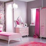 Desain Kamar Tidur Full Color