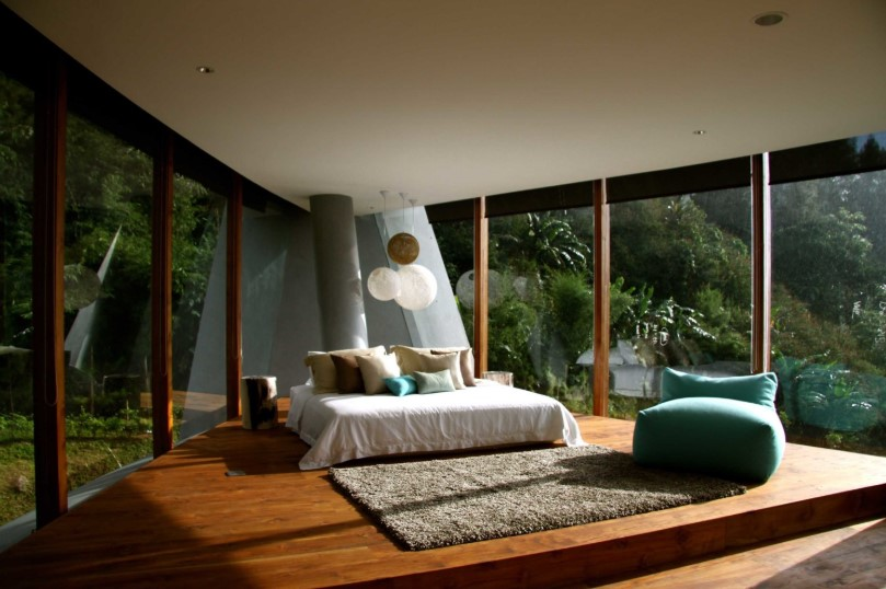 Desain Kamar Tidur Full Kaca