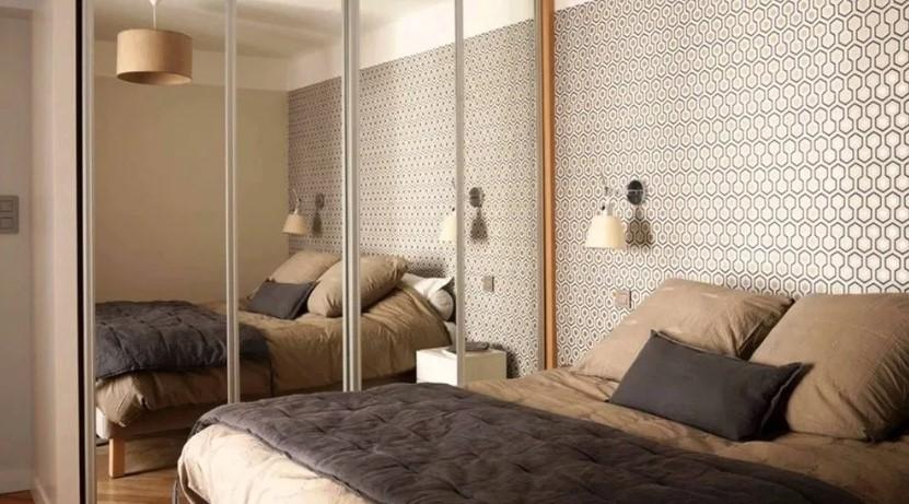 Desain Kamar Tidur Ukuran 3x3 dengan Cermin Besar