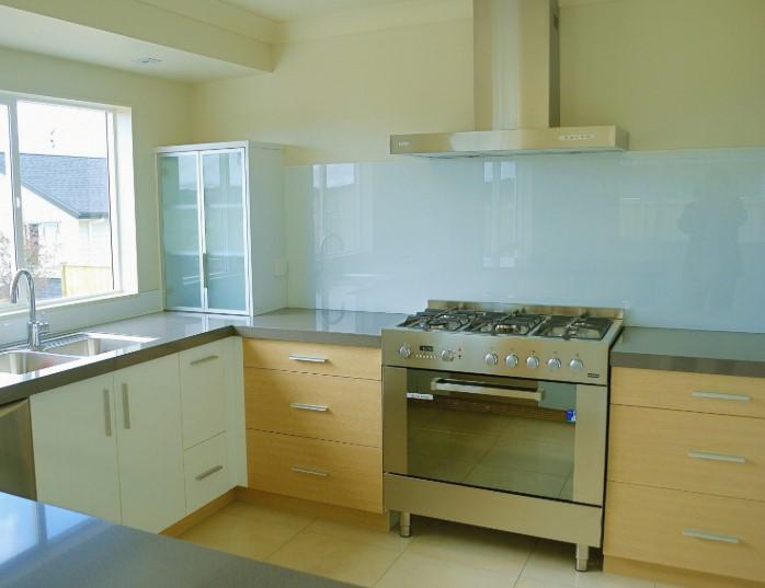 Desain Kitchen Set Aluminium Putih