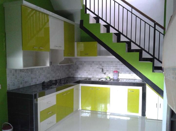 Desain Kitchen Set Minimalis Dibawah Tangga