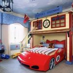 Desain kamar tidur anak tema mobil balap