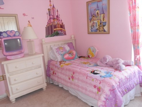 Design Interior Kamar Tidur Ukuran Kecil Perempuan