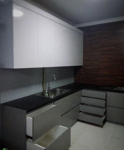 Kitchen Set Minimalis Model Lemari Tanpa Pegangan